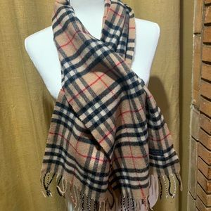 🌸 Authentic Burberry Scarf 🌺